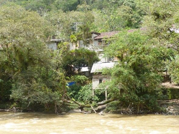 Riverside homes in Zamora