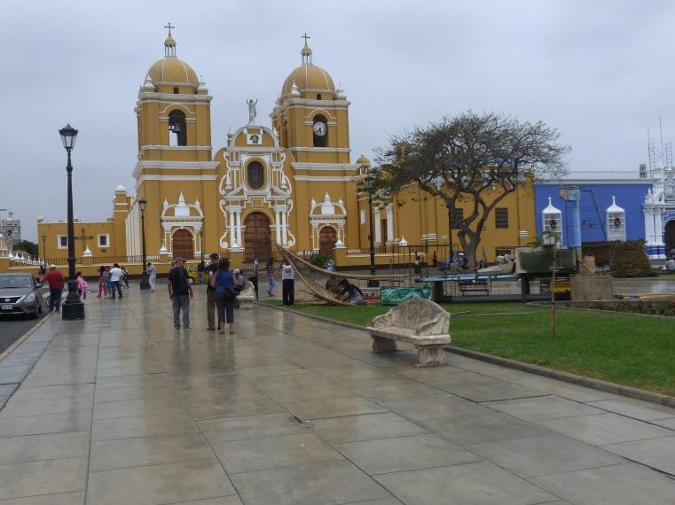 Central square Trujillo.